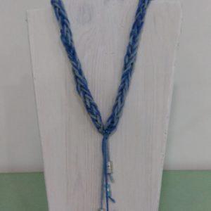 collana blu guado